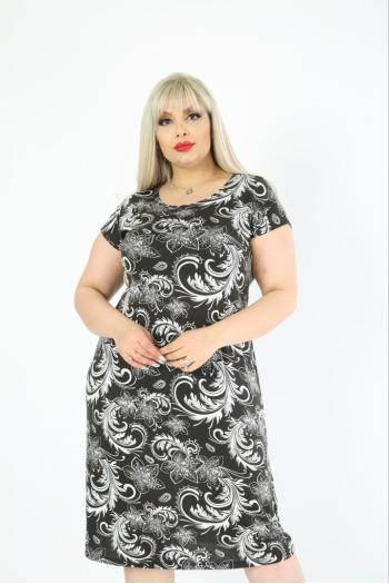 Макси рокля в черно-бял десен /размери 2XL,3XL,4XL/ Модел: 687