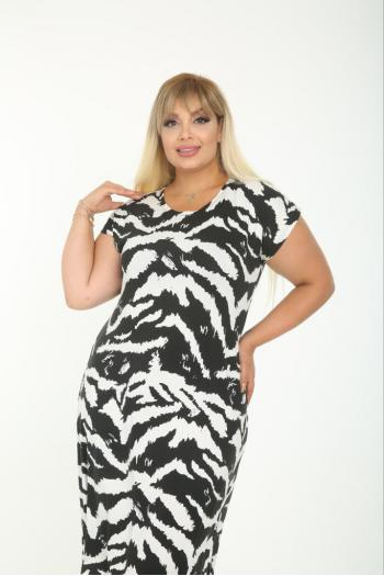 Лятна  рокля в  черно и бяло /размери 2XL,3XL,4XL/ Модел: 616