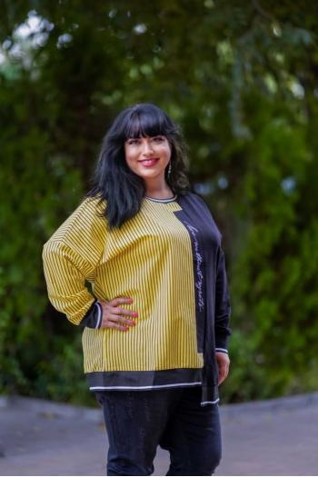 Асиметрична блуза на жълто райе /размери 50,52,54/ Модел: 892