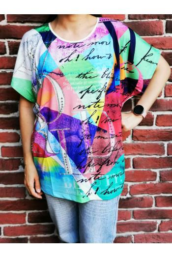 Макси тениска с надписи и камъчета /размери 46,48,50/ Модел: 512