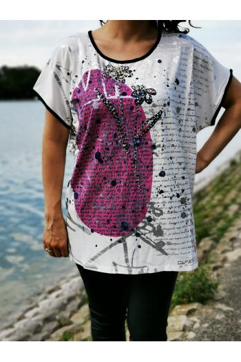 Макси тениска с принт на цветя и надписи /размери 42,44/ Модел: 520