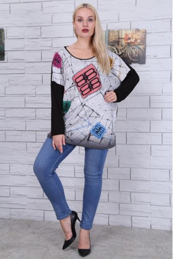Дамска блуза с цветни щампи /размери 46,48,50/ Модел: 473
