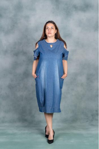Дънкова рокля с капси /размери 60,62,64/