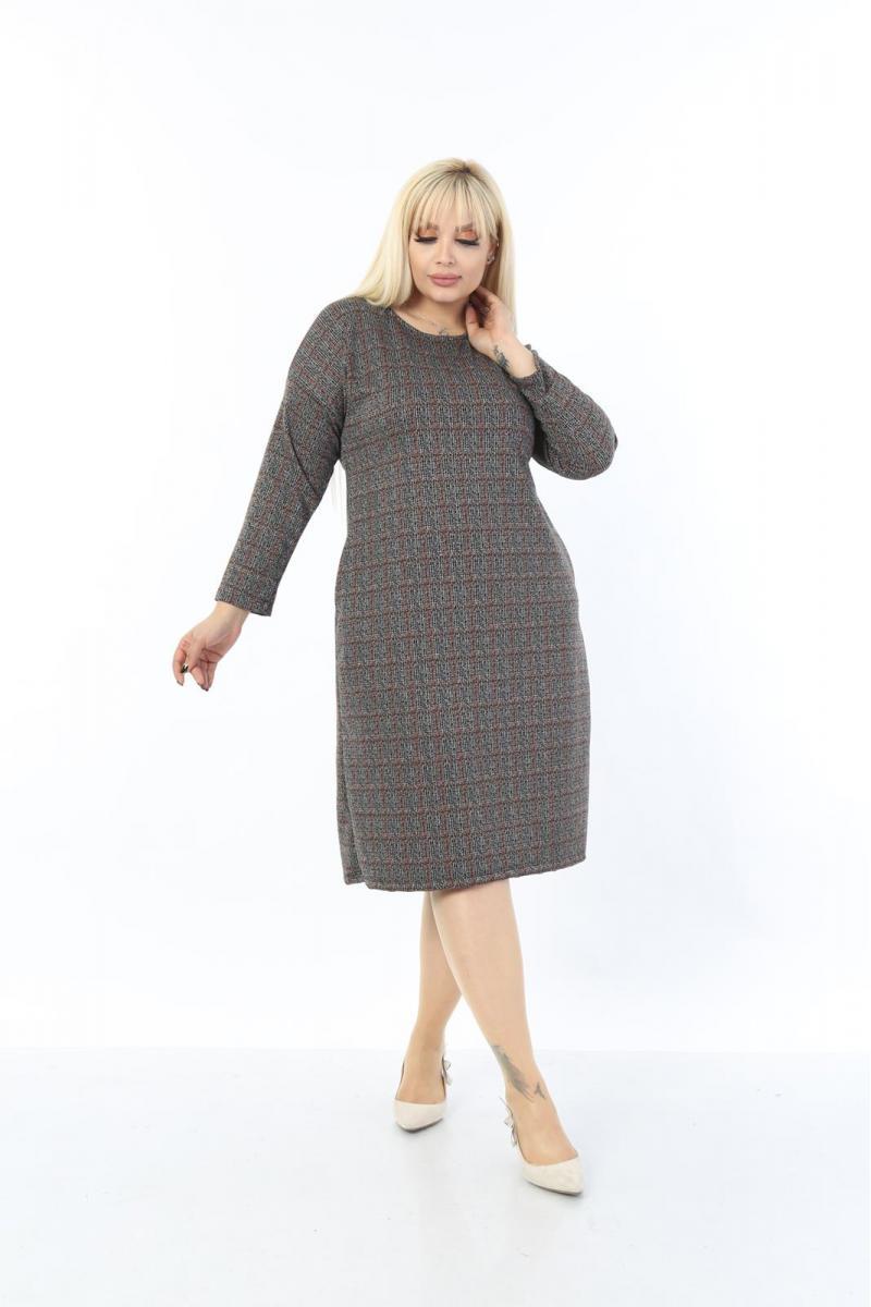 Макси рокля с дискретно каре и лъскави нишки /размери 2XL,3XL,4XL/ Модел: 465