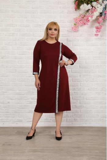 Стилна рокля с паети в бордо /размери 2XL,3XL,4XL/ Модел: 528
