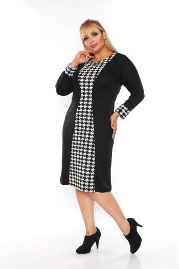 Черно-бяла рокля с брошка /2XL,3XL,4XL/ Модел: 361